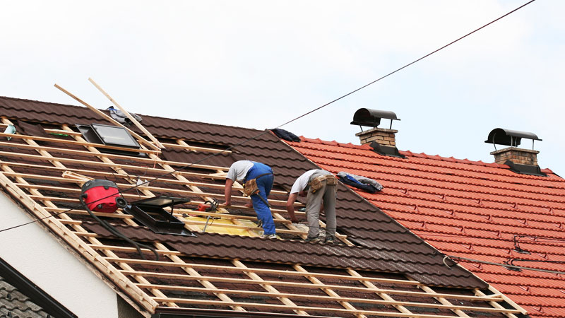 How to repair your roof efficiently with these useful tips